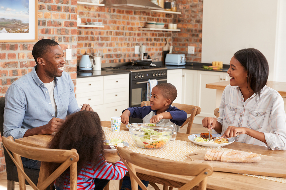 The Life-Changing Importance Of Family Meal Time (And How To Make It Happen)