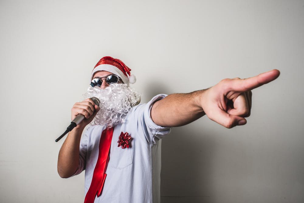 karaoke-santa