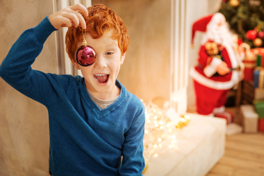 kid-with-ornament