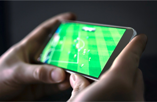 soccer-game-on-phone
